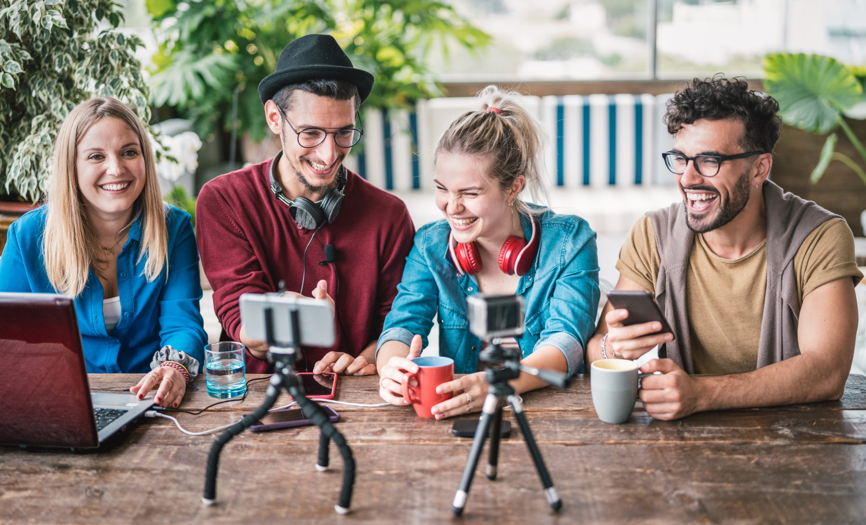 targeting generation z with paid ads - group of friends